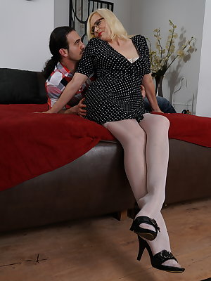 horny mature lady getting ready to fuck