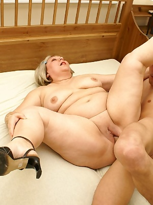 Horny chubby slut doing kinky shit
