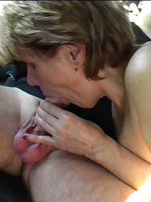 This horny mature slut loves sucking cocks