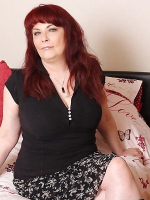 British mature lady doing her toy boy