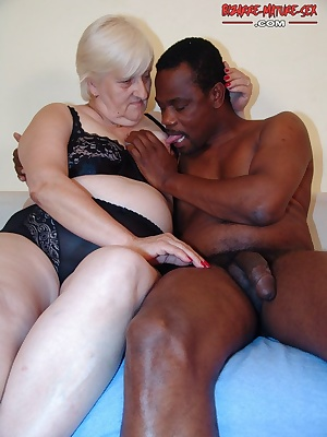 This black relly enjoys this kinky granny