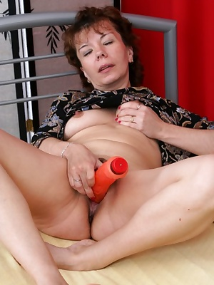 mature sluts know how to fuck right