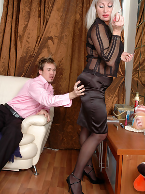 Jessica&Rolf anal mom gives ass