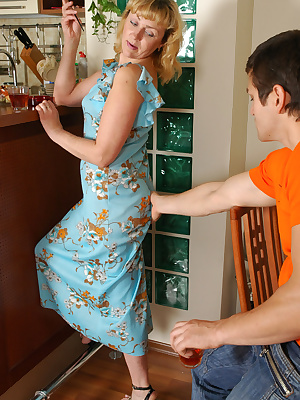 Emilia&Silvester nasty mom gives ass