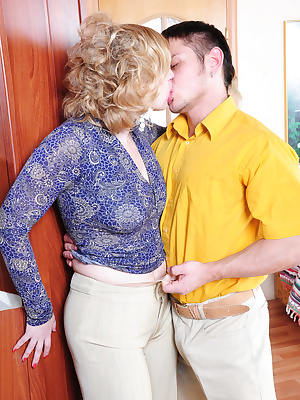 Susanna&Govard pantyhosefucking great mature woman