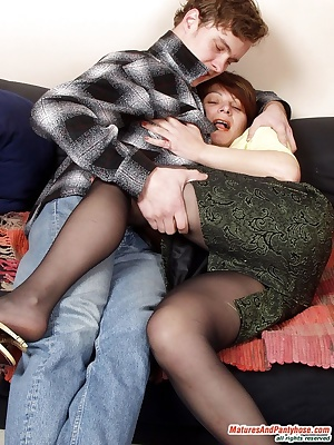 Christina&Mike pantyhosefucking irresistible mature babe