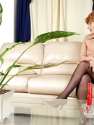 Elisabeth&John pantyhosefucking hot mature chick