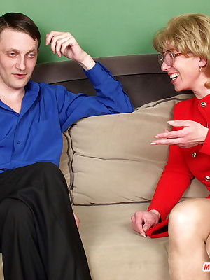 Natalie&Christopher pantyhosefucking playful mature bitch