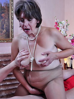 Lillian M&Rolf pantyhosefucking irresistible mature gal