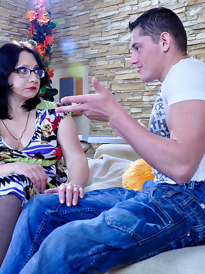 Lillian M&Claudius pantyhosefucking awesome mature woman