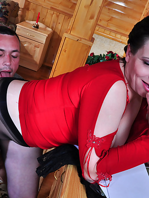 Elsa&Connor pantyhosefucking gorgeous mature woman