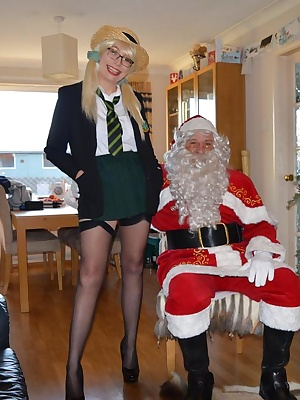 Barby goes to see Santa and finds out who is naughty and who is nice.