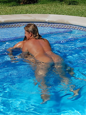 2 hot girls in the pool and what do only that. I has tits so thick my girlfriend would like to just touch them. I love t