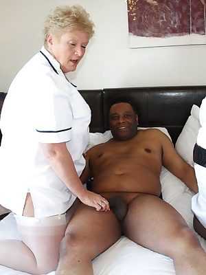 Hi GuysHere are some pictures of Nurse Lexie and Nurse Jules  with patient Neil he was feeling under the weatherso we ha