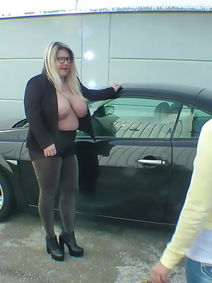 We had problems with the car and the garage wanted to have that kind of money. There, we have the technicians and give h