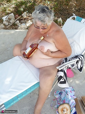 I am sure you all know by now that Grandma Libby spends her holidays in Barbados.  I thought you might like to see how I