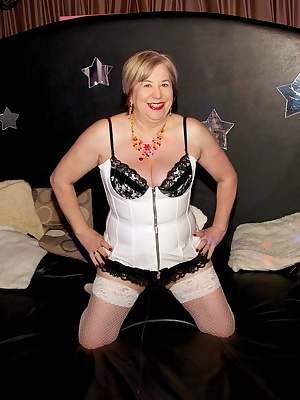 I had just bought a new White PVC Basque from Saints and Sinners in Blackpool so where better to wear it and show it off