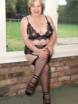 Hi Guys I was posing by the window in my new lacy underwear from Ann Summers and was feeling very sexy so I couldnt help
