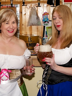 Hi Guys It was Halloween and me and my Friend Speedybee had got jobs as Bavarian Serving Wenches in a Beer Keller in Bla