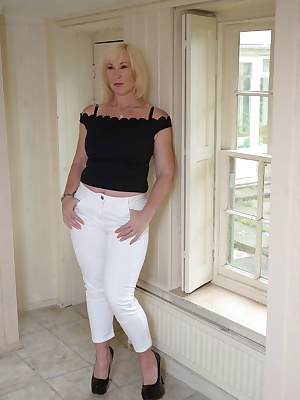 I love these tight white Capri pants.  They go so well with my black heels Melody x