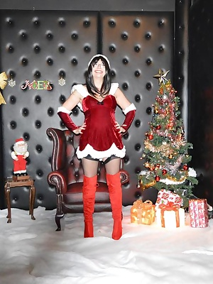 Barby plays Mrs Santa a makes a guy's wish cum true.