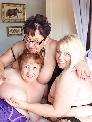 3 way girlie fun