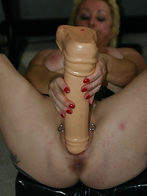 I fuck my pussy with big dildo and I pee