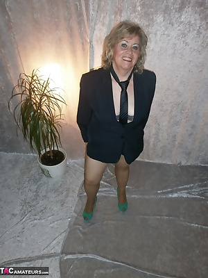 I like this outfit and I also love tights have a lot of sexy fun with the next updates
