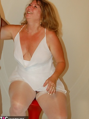 Devlynn is now seduced in the perfect little red chairand who is the lucky mate