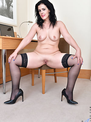 Browsing the Internet and finding some porn has left Montse Swinger horny and eager to take care of her needs. She slips off her bra and thong, and then takes the time to play with her ultra tender all naturals before turning her attention to her juicy sh