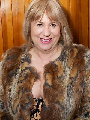 Hi Guys, I just love to wear my Fur Coat, and with nothing much underneath but my leopard print Basque it got me so turn