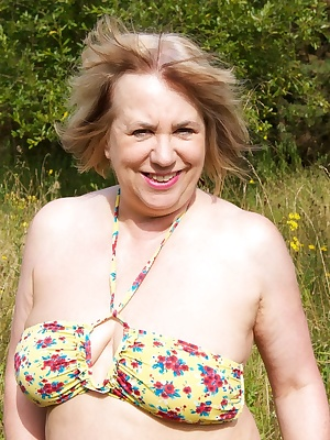 Hi Guys, What a crap summer we had here in the U.K. last year, but I did manage to get out in the forest to strip off an