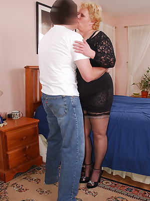 Cum join me on my hot time with Joe. A perfect occasion to wear the lace corset slip I wore last week, along with the bl