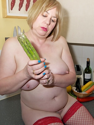 Asparagus you would think would be too thin for insertion into my Pussy, but were not talking single stalks, Come on guy