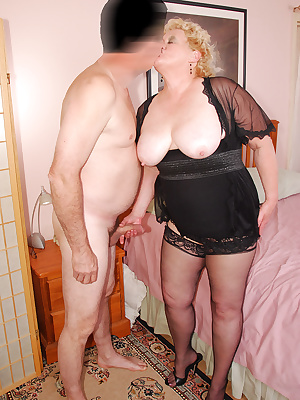 Cum join me on my sexy time with James. A great opportunity to wear the same sexy little black dress and nylons that I w