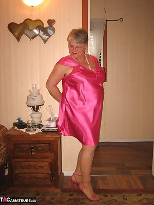 Girdlegoddess so sexy HO. Wearing  HOT pink, with red hot panties and  bra.