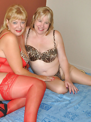 Hi Guys, My Good Friend Britlady had asked me to join her for a 2 Girl Red Hot Photoshoot with a Local Photographer, wel