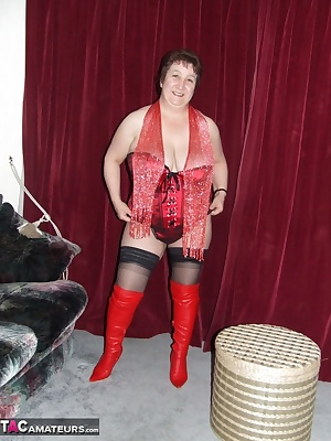 hi everyone, well here i am in this lovely basque that was bought for me by a big fan of mine, complimented of course by