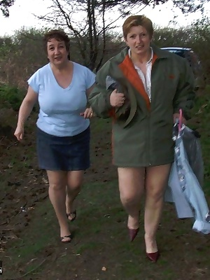hello everyone, just thought you would like to see some pics of me and my friend nadine going for a walk in the woods ge