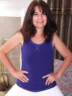 Staying in shape is important for 52 year old Shelby Ray, and getting herself off post-workout is equally vital. From playing with her hanging titties to using a convenient piece of equipment to fill and fuck her greedy cooch, she'll stop at nothing until