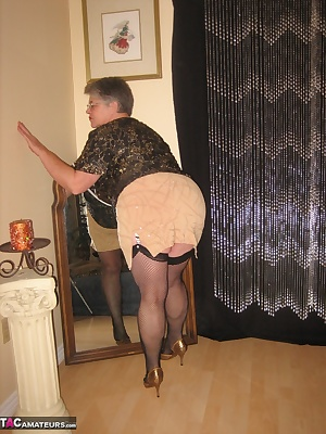 Sexy in this short skirt, can you tell i want to get fucked....