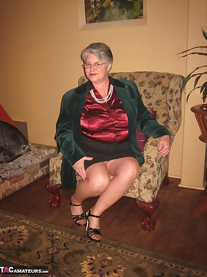 now its time to relax and show you what a classy mature MILF wears under her outerwear.