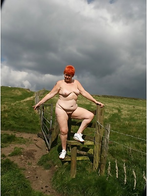 I love getting naked in the great outdoors, cum rain or shine.