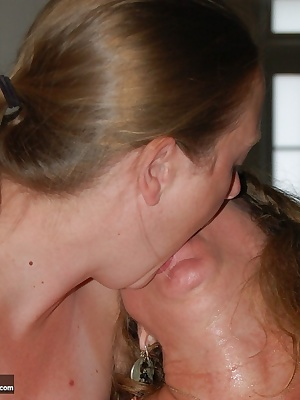 Berkley SC4 and Devlynn get out the double dildo and things are hot and wet in no time... and they do it so well togethe