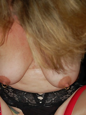 Devlynn shows you how she makes new friends feel welcome. Next question.male or female Come on in to the member section