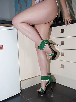 I hope when you see me in this update it will make you go 'Grrrrrrr'I am just in my tiger leotard  and fuck me heels. At
