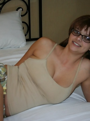 We like to rent a room at local casinos and then cruise the bars for young gals and here is 25 year old Amberleah a big