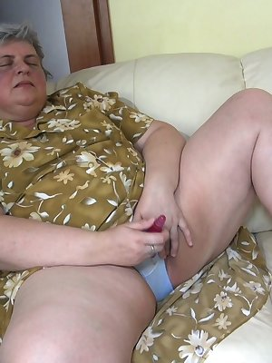 Chubby matures and grannies masturbating with young girls