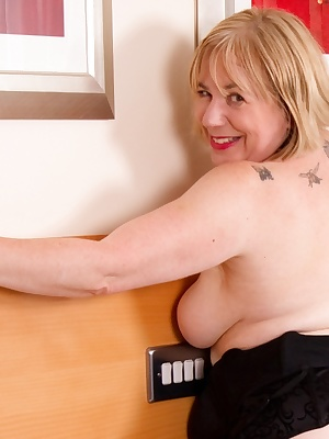 Hi Guys, what better way to end the year but with a Hot and Horny set of Me  Grandma Libby in our Black Lingerie getting