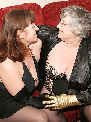 Sexy fun with my good friend Topaz as we get down and dirty on the settee.  We were dressing in our sexy black basques a